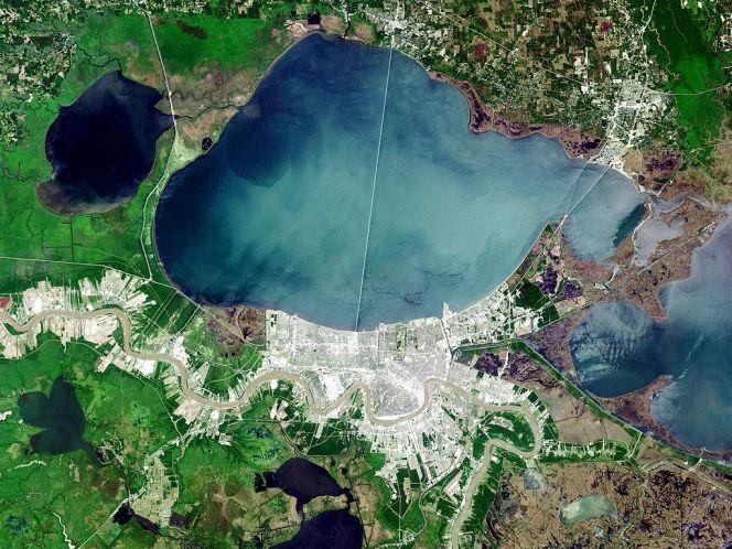 1024px-Landsat_new_orleans_nfl_lrg