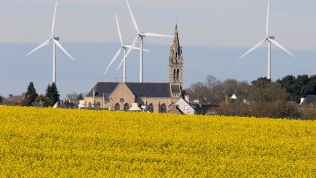 Dans le cadre de la loi sur la transition énergétique, les députés ont voté une distance minimale de 500m entre entre des habitations et des éoliennes