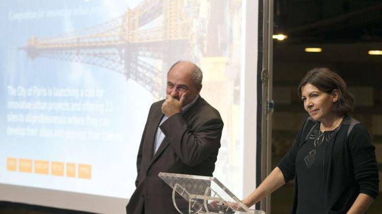 Anne Hidalgo, maire de Paris, au côté de Jean-Louis Missika, adjoint à l'Urbanisme ©JOEL SAGET_AFP