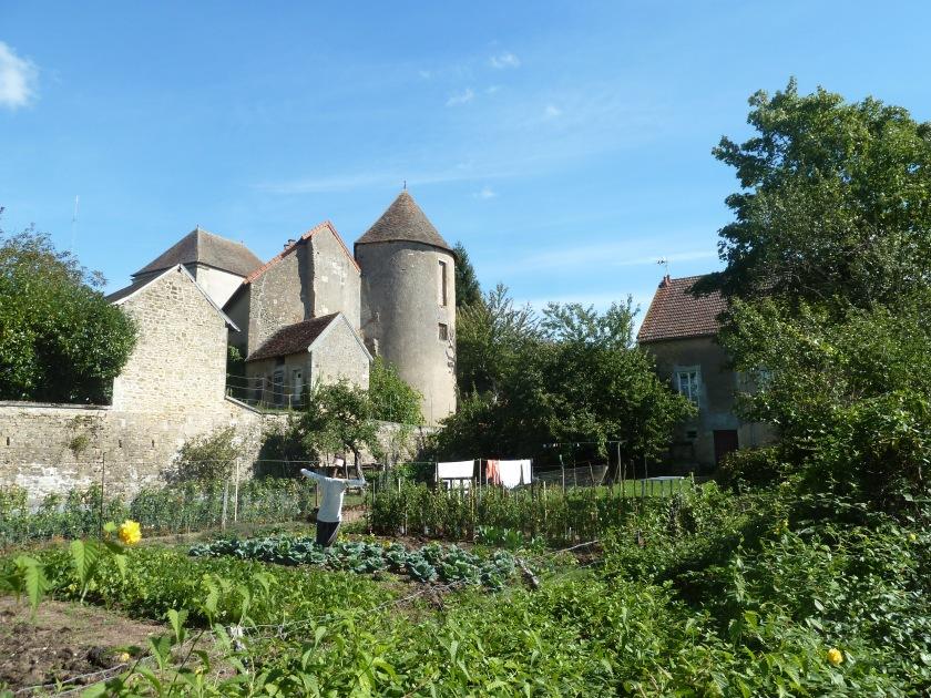 Patrimoine remarquable et maraichage périphérique dans les anciens jardins du Château (Châteaumeillant dans le Cher)