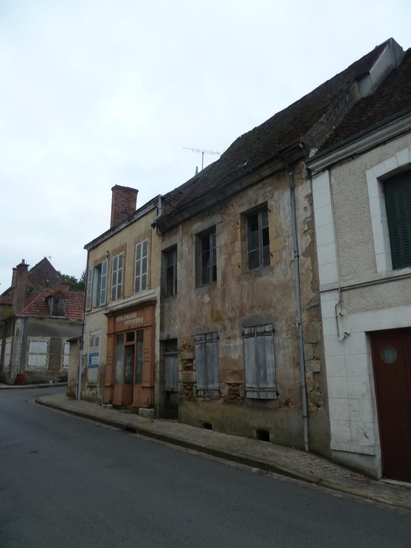 Habitat de centre-bourg vacant en état de dégradation