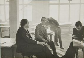 unidentified-artist-ludwig-mies-van-der-rohe-with-students-at-the-bauhaus-berlin-1933-photograph-german-20th-century-gelatin-silver-print-image-11-9-x-16-9-cm-4-1116-x-6-58-in